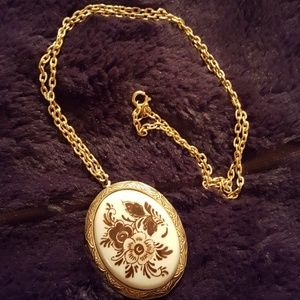 FAB PAINTED PORCELAIN LOCKET NECKLACE